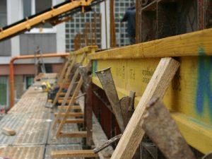 Detailansicht der Schalung einer Betondecke